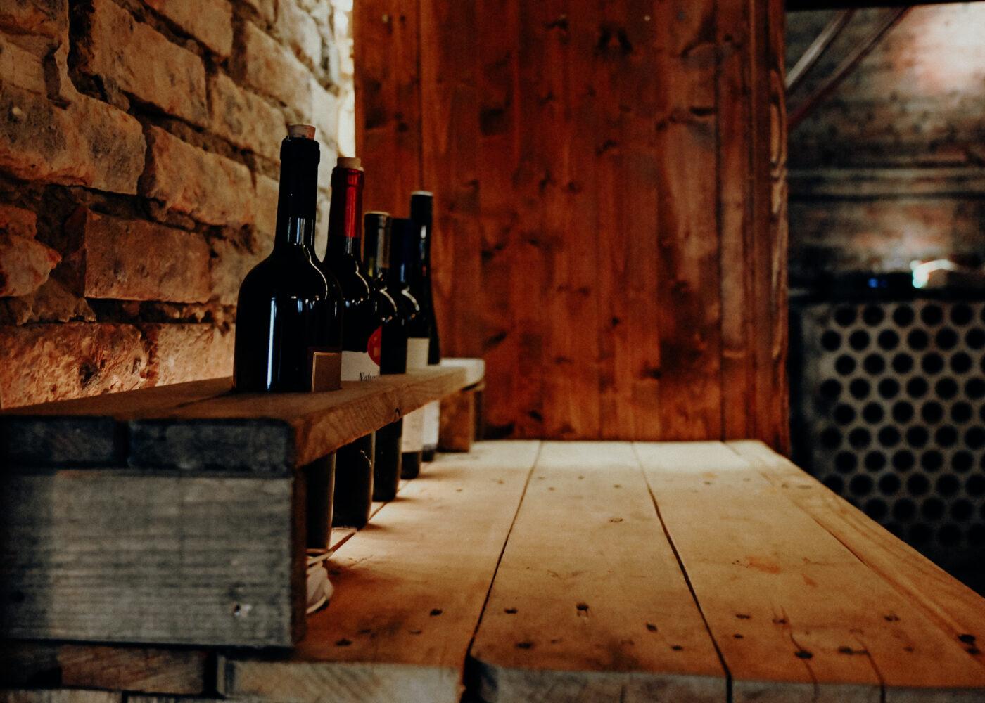 s'Loch Mauren Vereinslokal Weinhalter