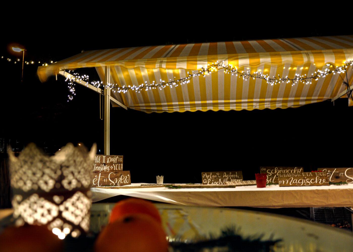 s'Loch Glüahwii und Charity - Weihnachtsmarkt